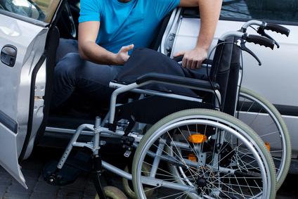 fauteuil roulant optez pour la praticit et le confort sante flux. Black Bedroom Furniture Sets. Home Design Ideas